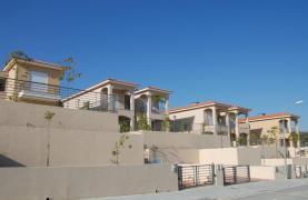 Новый 3-Спальный Дом с Красивым Видом на Море - 13