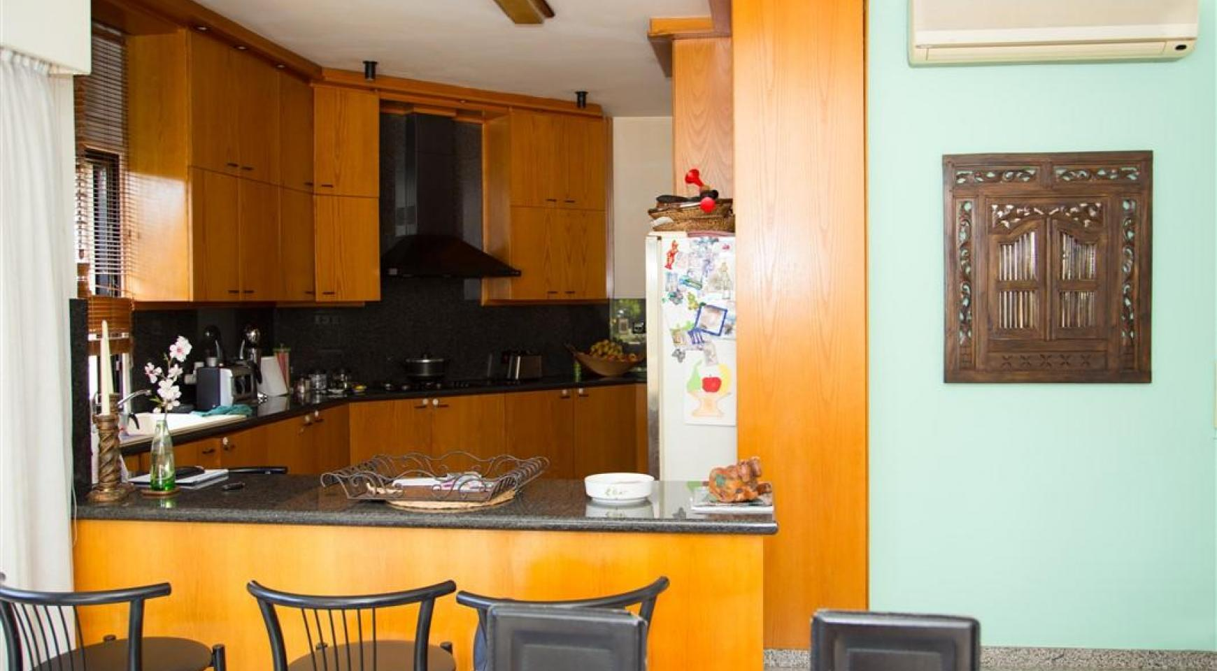 4-Спальная Вилла в Престижном Районе Гермасойя - 17