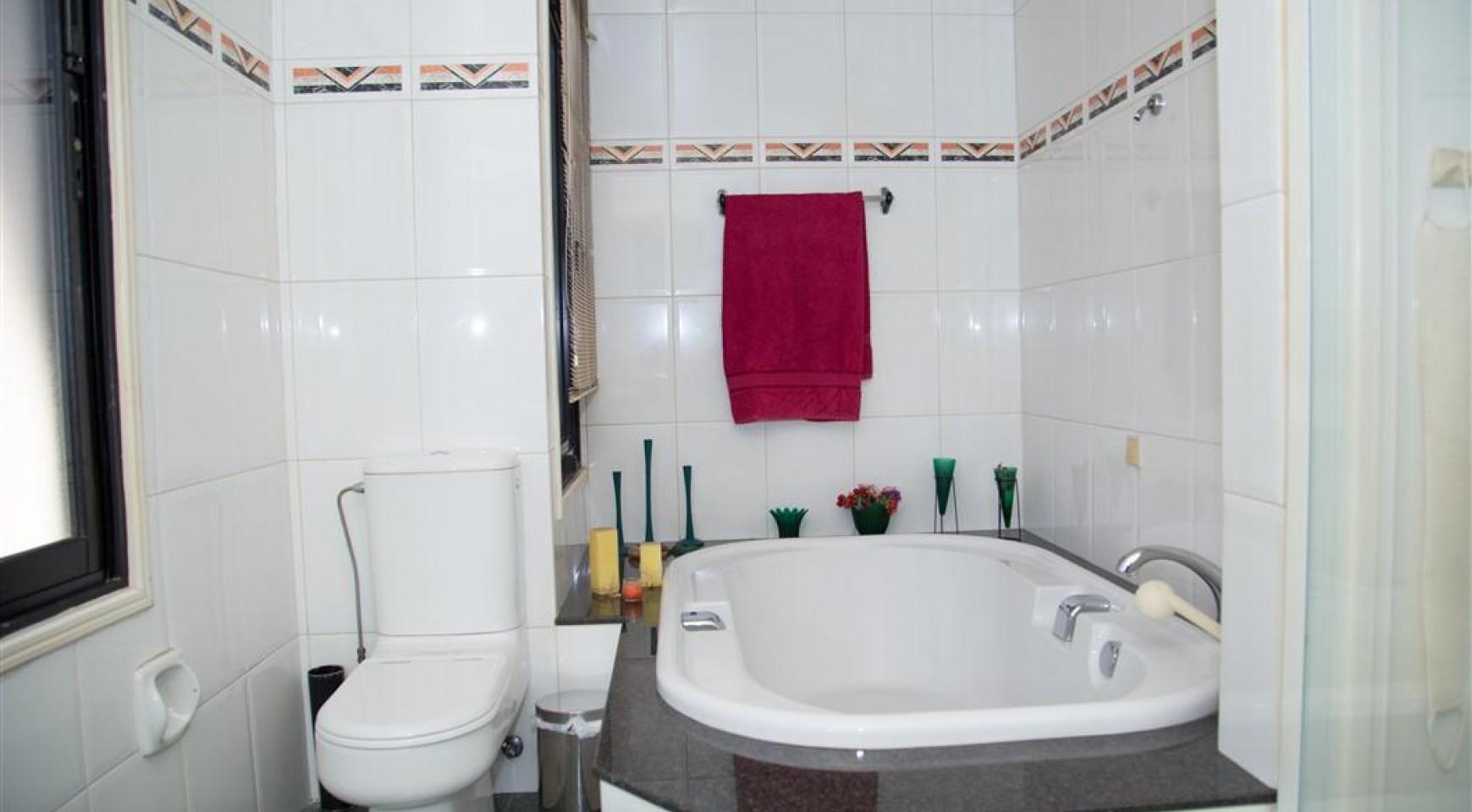 4-Спальная Вилла в Престижном Районе Гермасойя - 27