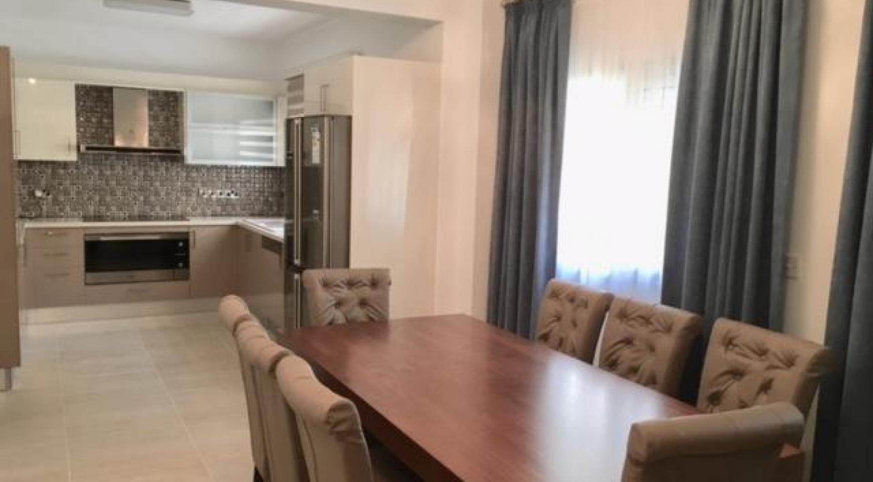 Новая 4-Спальная Квартира в Районе Germasogeia - 1