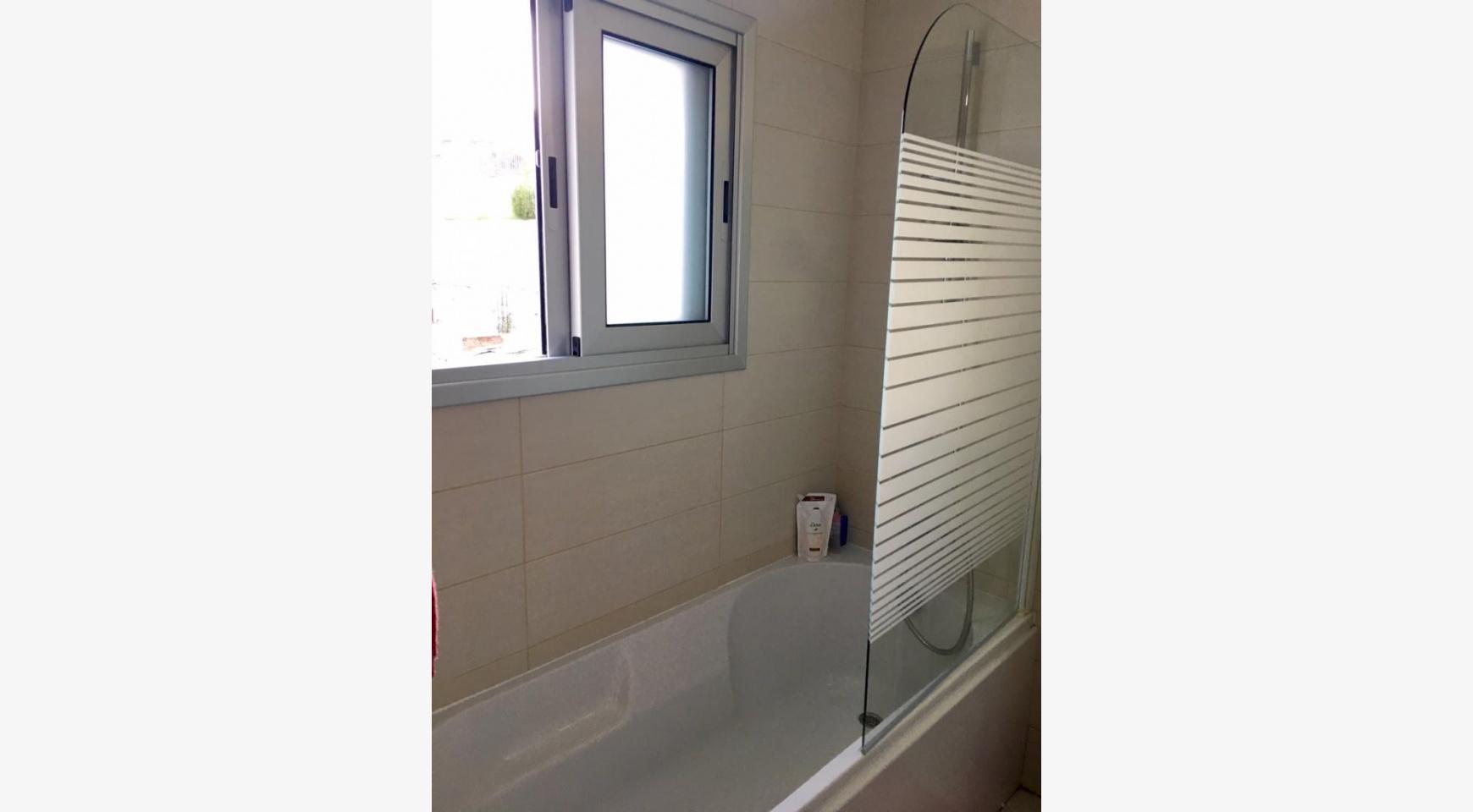 Новая 4-Спальная Квартира в Районе Germasogeia - 10