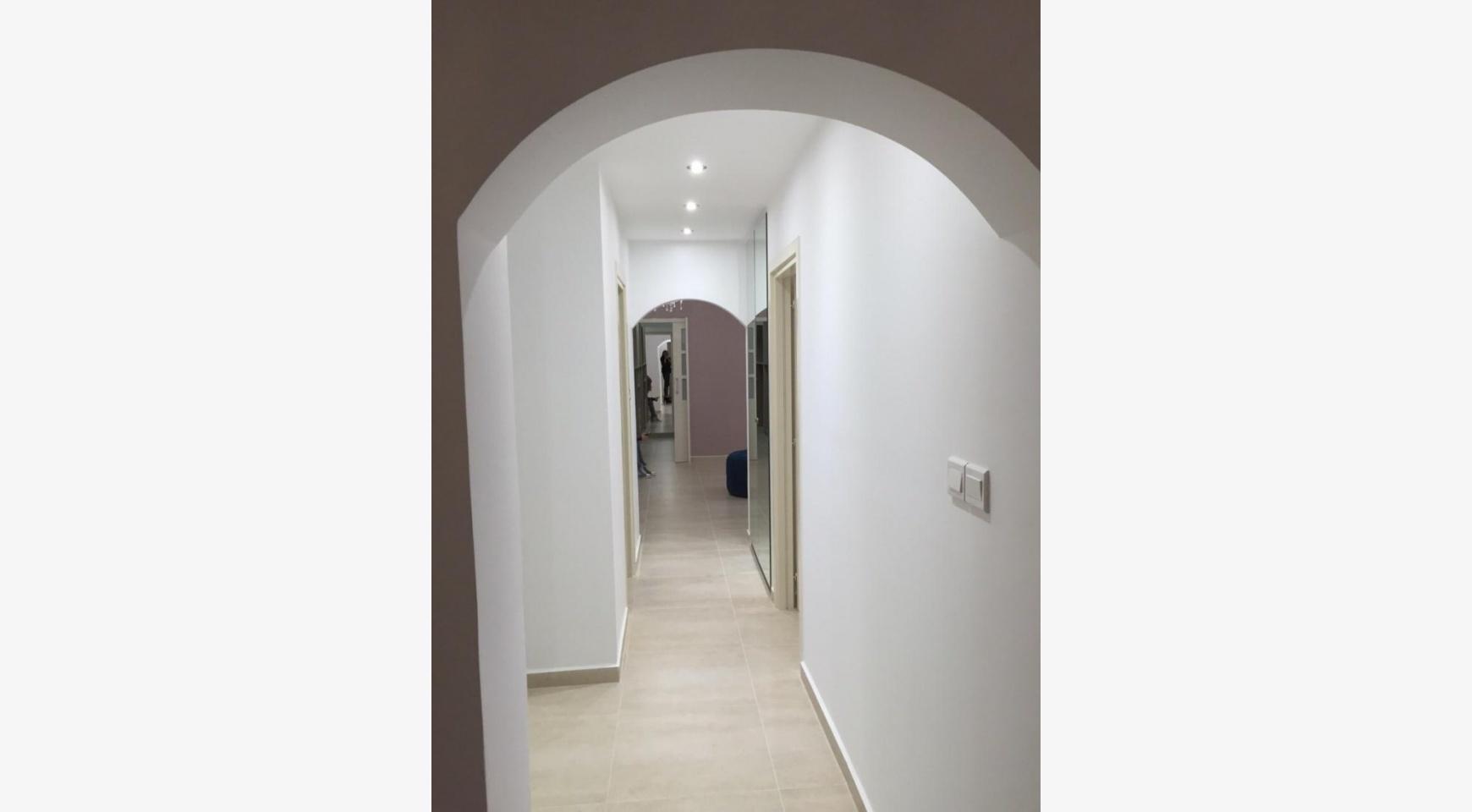 Новая 4-Спальная Квартира в Районе Germasogeia - 14