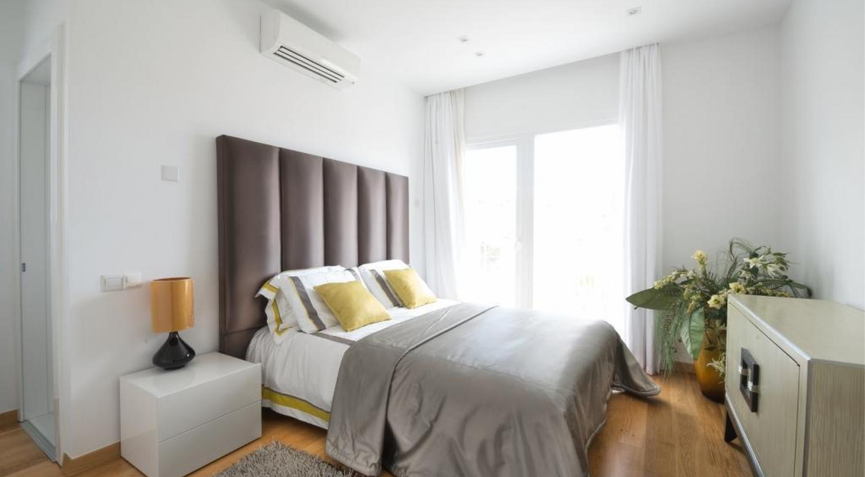 4-Спальная Вилла с Видом на Море в Районе Agios Tychonas - 12