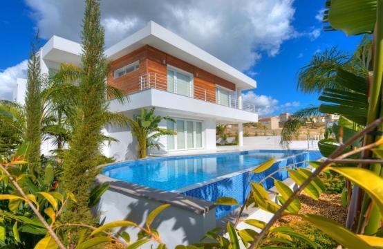 Современная 4-Спальная Вилла с Видом на Море в Районе Agios Tychonas
