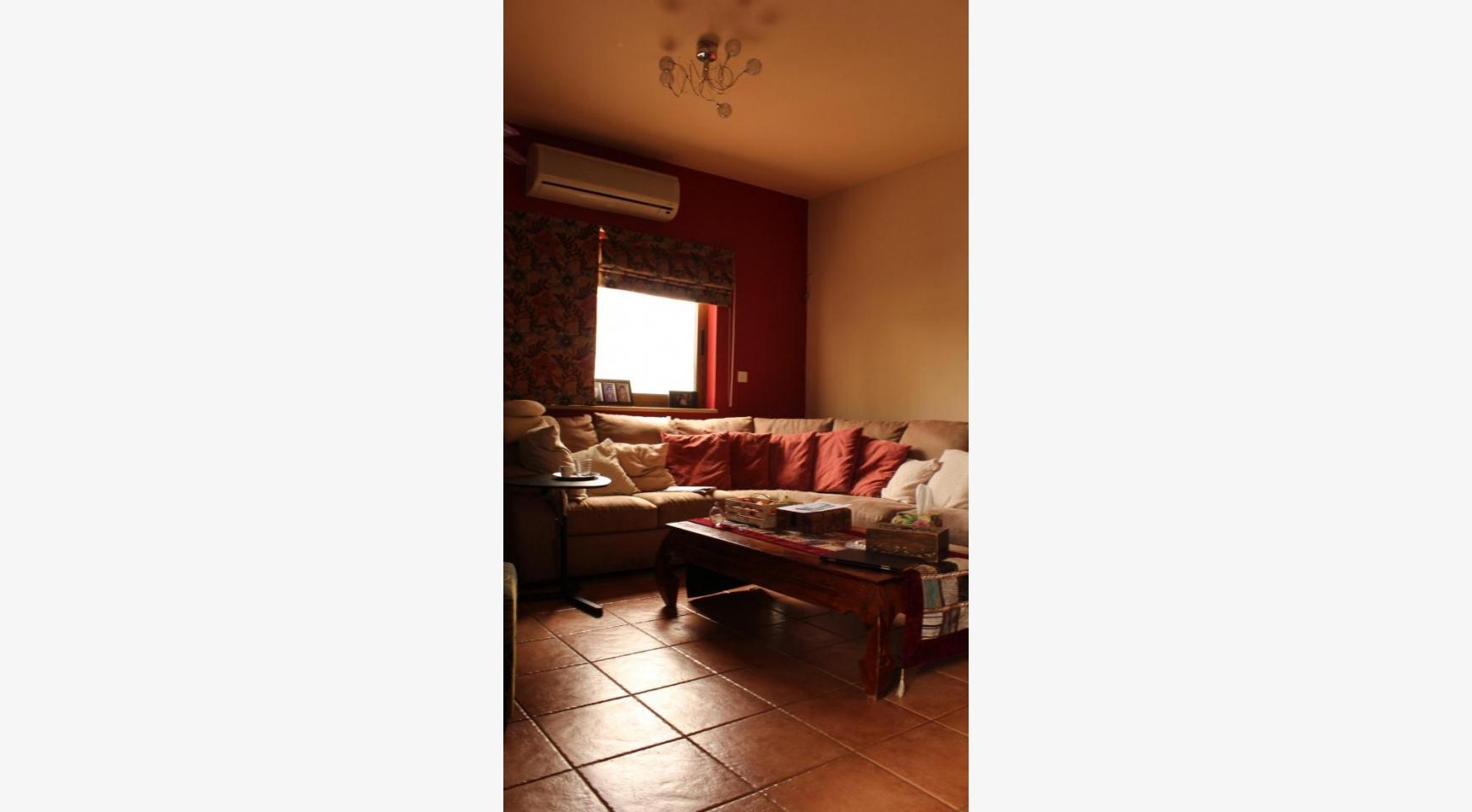 Spacious 5 Bedroom House in Agios Athanasios Area - 7