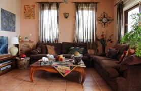 Spacious 5 Bedroom House in Agios Athanasios Area - 16
