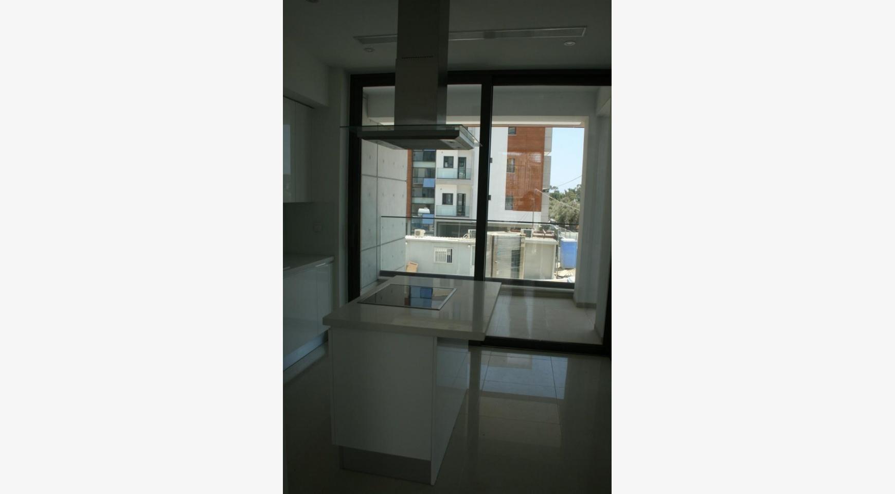 Новая Современная 3-Спальная Квартира  возле Моря - 20