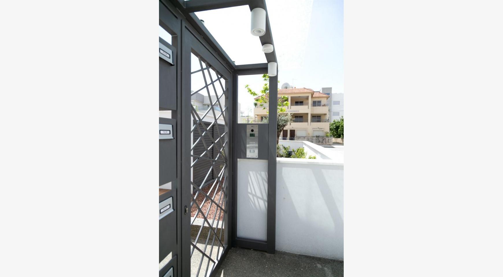 Malibu Residence. Современная  2-Спальная Квартира 201 в Районе Потамос Гермасойя - 20